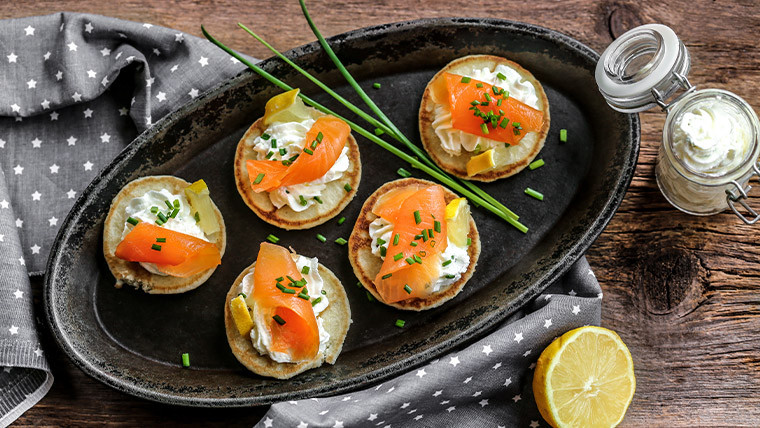 Blinis with goat's cheese cream